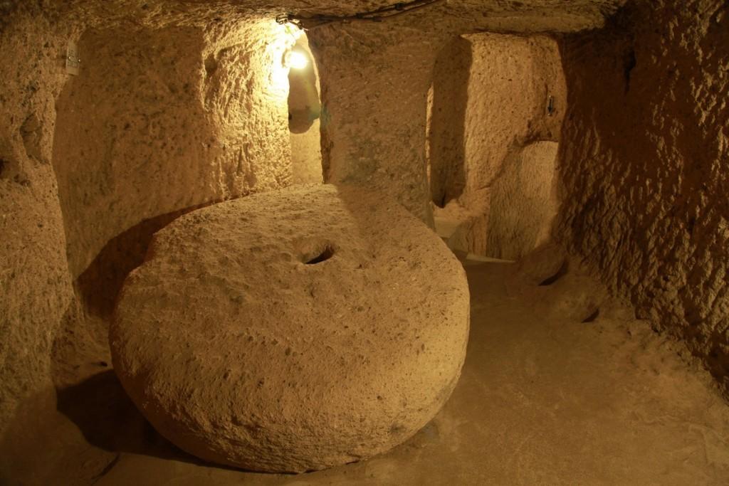 صخور لسد المداخل - ديرنكويو