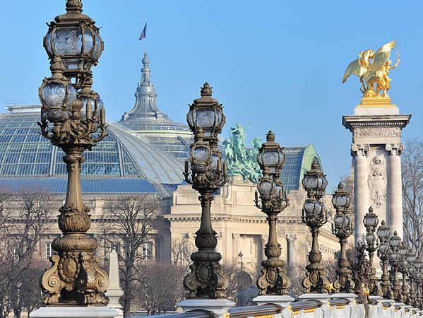 القصر الكبير باريس