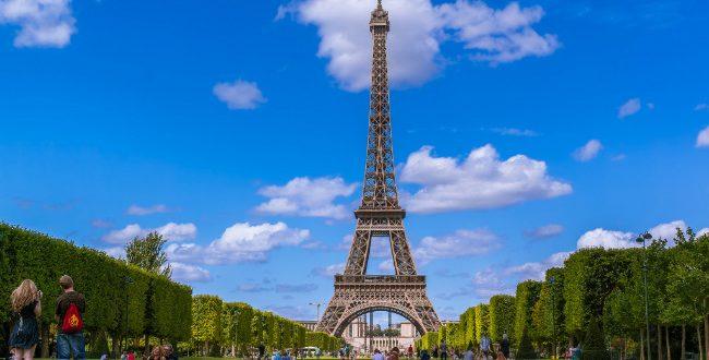 برج ايفل في باريس فرنسا