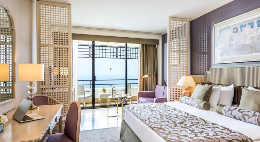 ريكسوز داون تاون - فنادق انطاليا على البحر