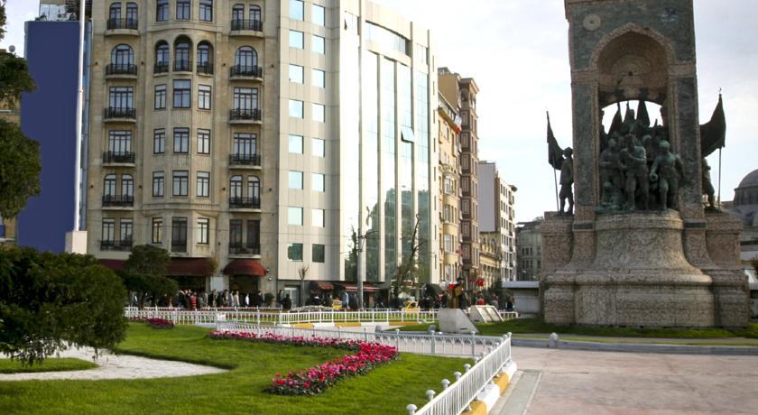 ساحة تقسيم - فنادق تقسيم اسطنبول