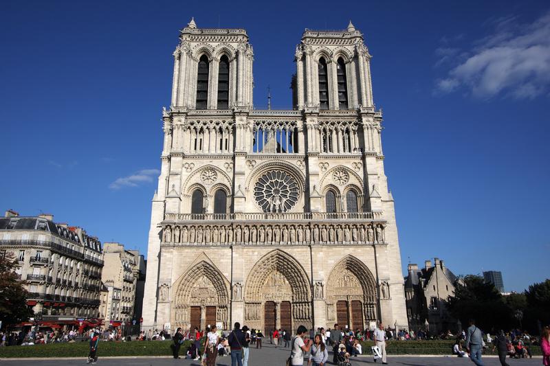 كنيسة نوتردام في باريس