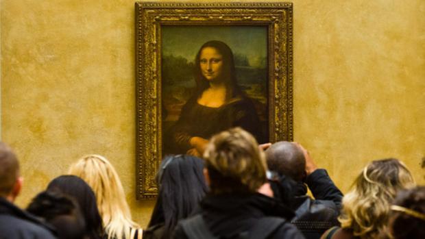 متحف اللوفر في باريس - لوحة الموناليزا