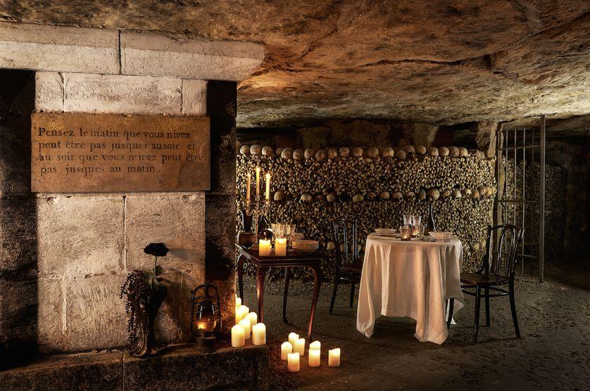 مطعم داخل سراديب الموتى في باريس