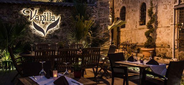 مطعم فانيلا من افضل مطاعم انطاليا تركيا