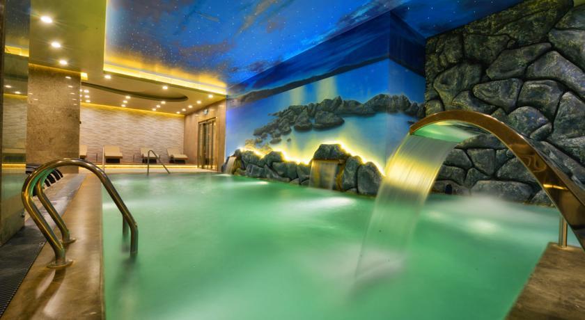حمامات الينابيع الساخنة من اهم الاماكن التي يمكنك زيارتها في بورصة شتاءً