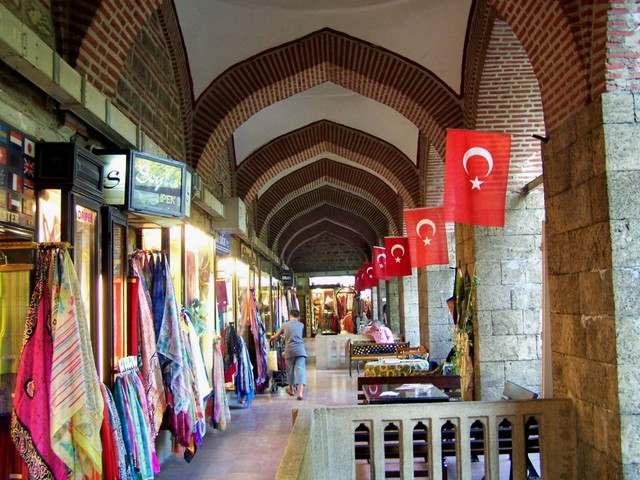 يعد سوق الحرير احدى افضل اسواق بورصة السياحية
