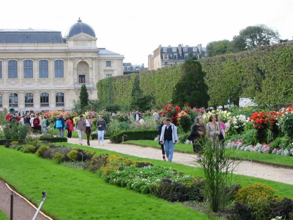 حديقة النباتات في باريس من اهم الحدائق في باريس
