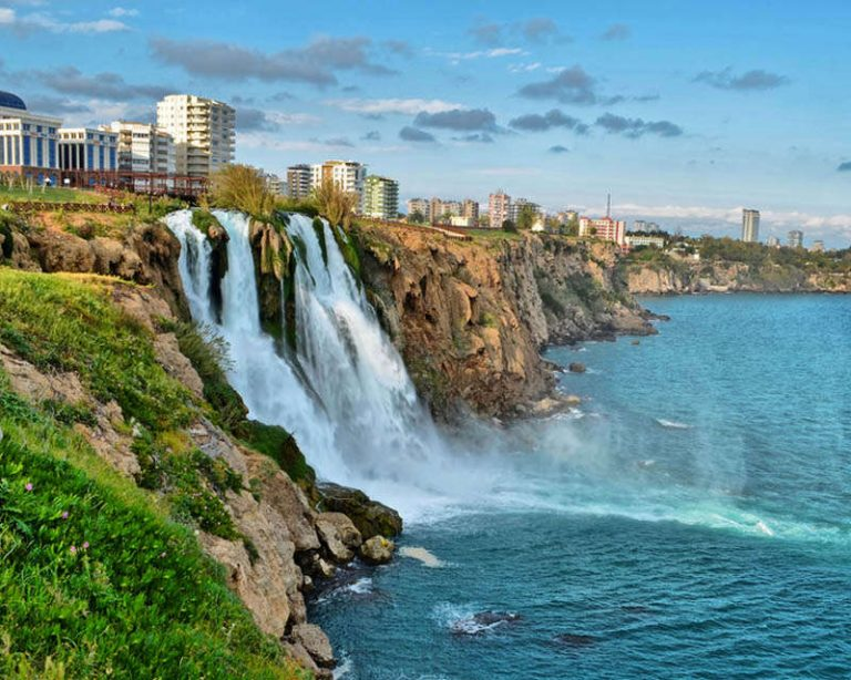 اجمل شلالات انطاليا تركيا تعرف على احدى معالم السياحة في انطاليا تركيا الا وهي الشلالات حيث تضم مدينة انطاليا التركية اجمل الشلالات في تركيا