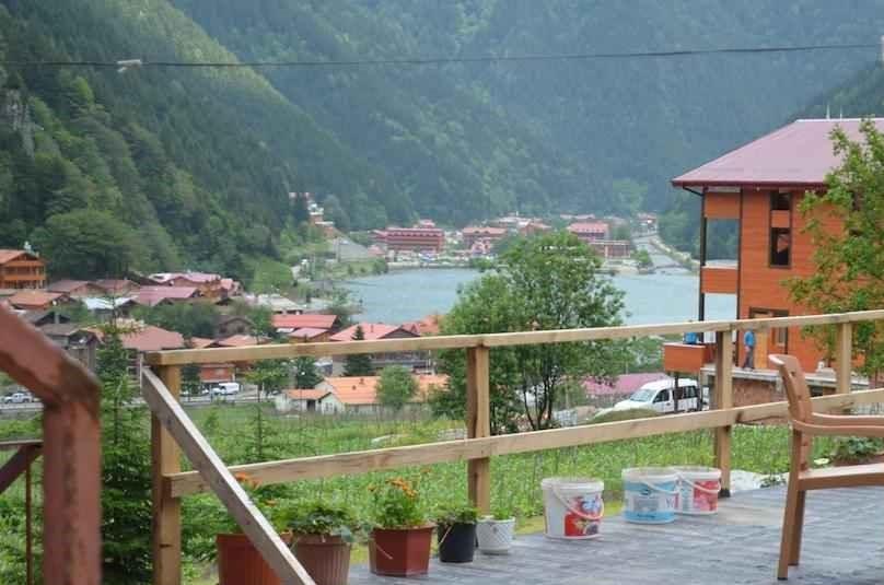 شقق فندقية في اوزنجول تبعد 600 متر فقط عن بحيرة اوزنجول والمسجد، توفر اطلالات على البحيرة.