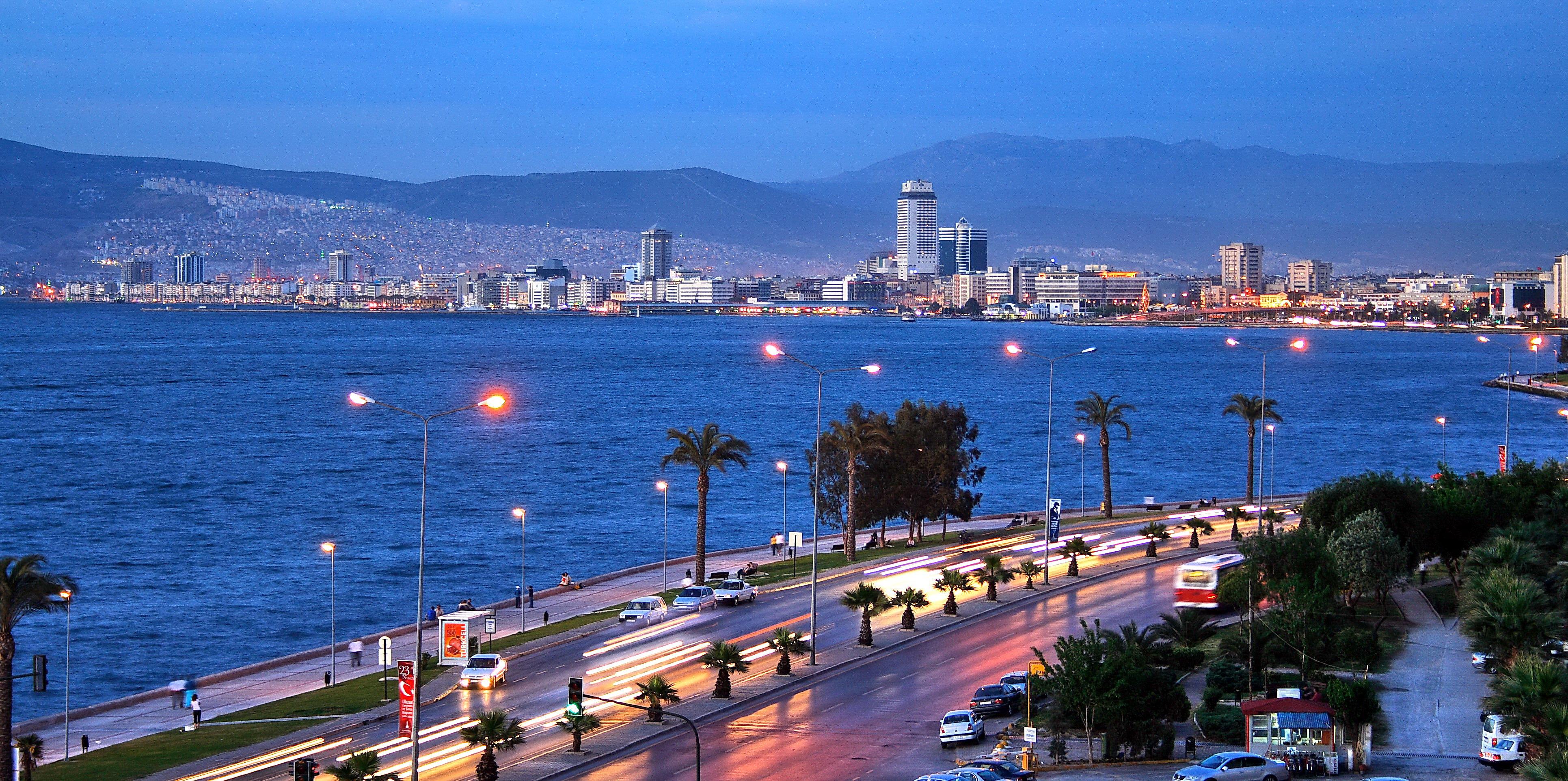 مدينة ازمير تركيا