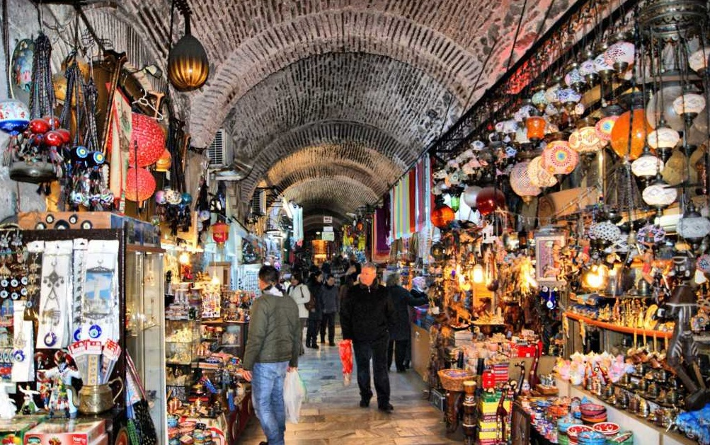 التسوق في ازمير تركيا