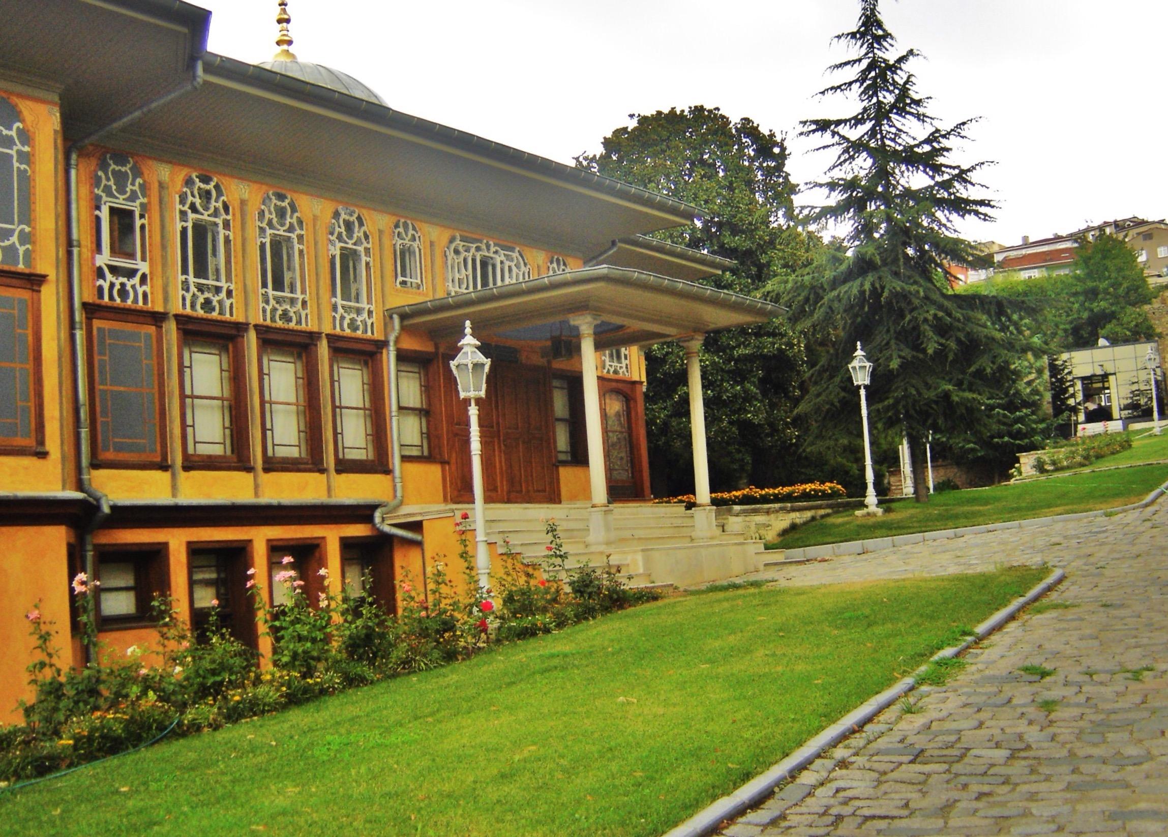 قصر إينالي كاواك اسطنبول