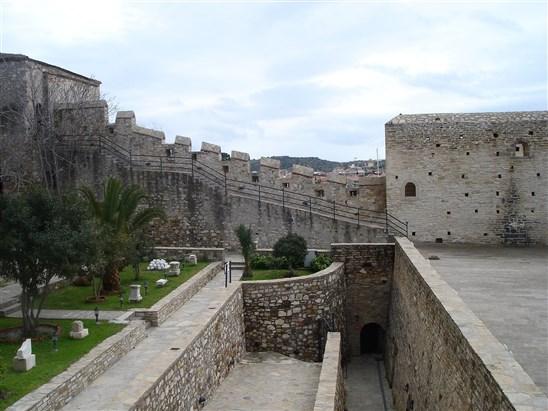 قلعة قضيفة في ازمير - الاماكن السياحية في ازمير