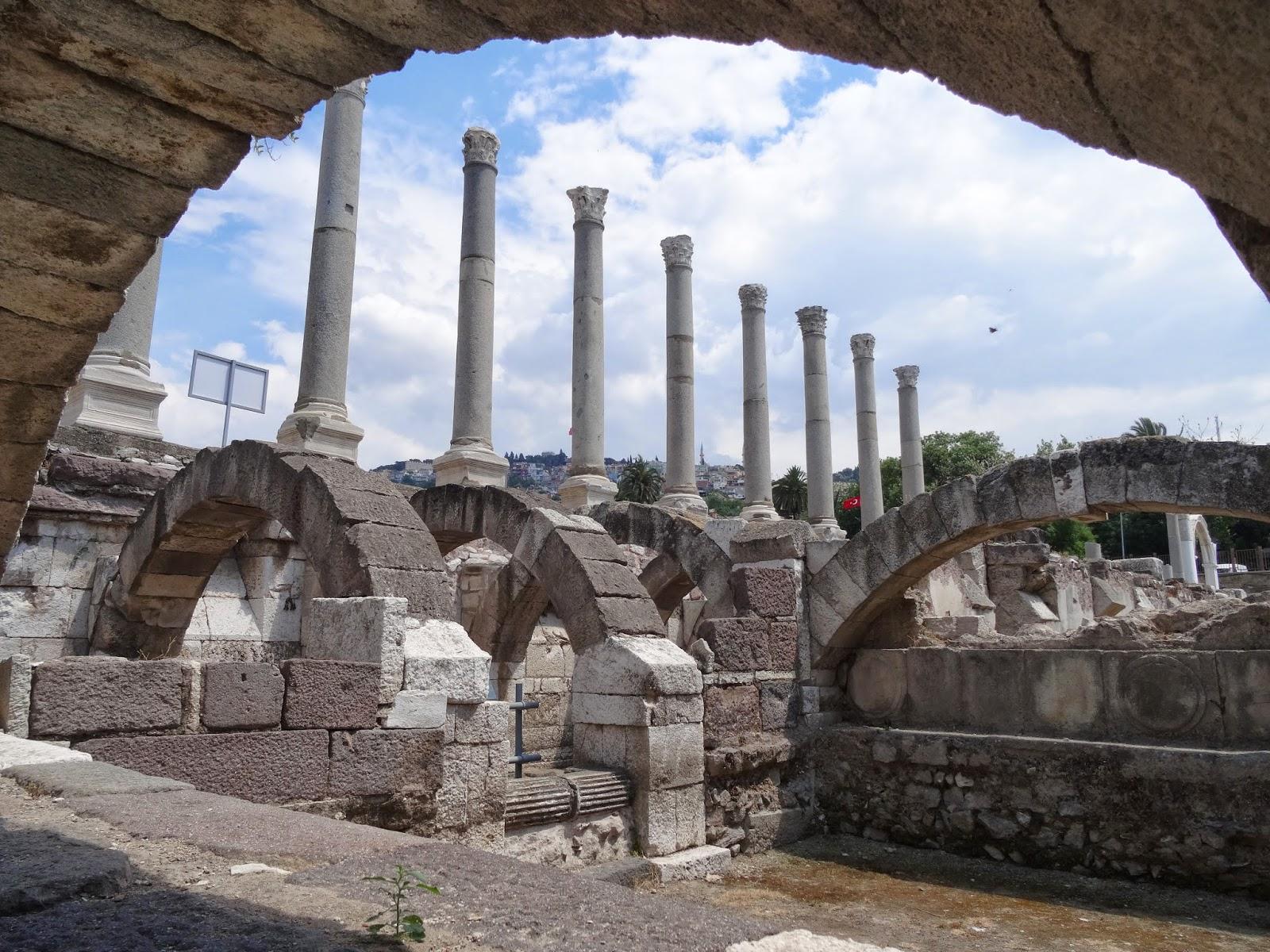 مدينة اغورا الاثرية - الاماكن السياحية في ازمير