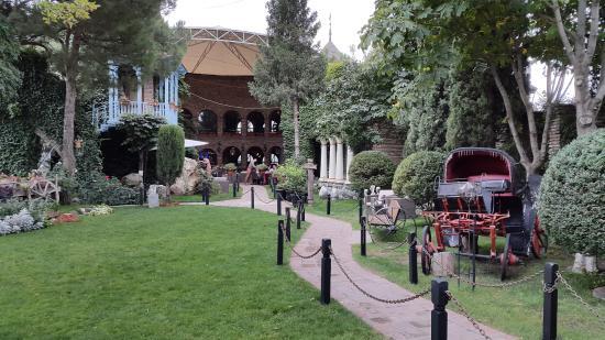 مطاعم تبليسي - Tisiskvili