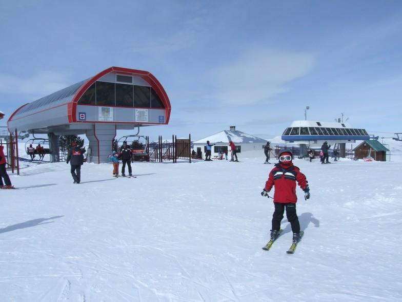 عتبر منتجع ساكليكنت (Saklıkent Ski Resort) المركز الأول والاقرب للتزلج في مدينة انطاليا حيث يقع في الجهة الغربية من مركز المدينة