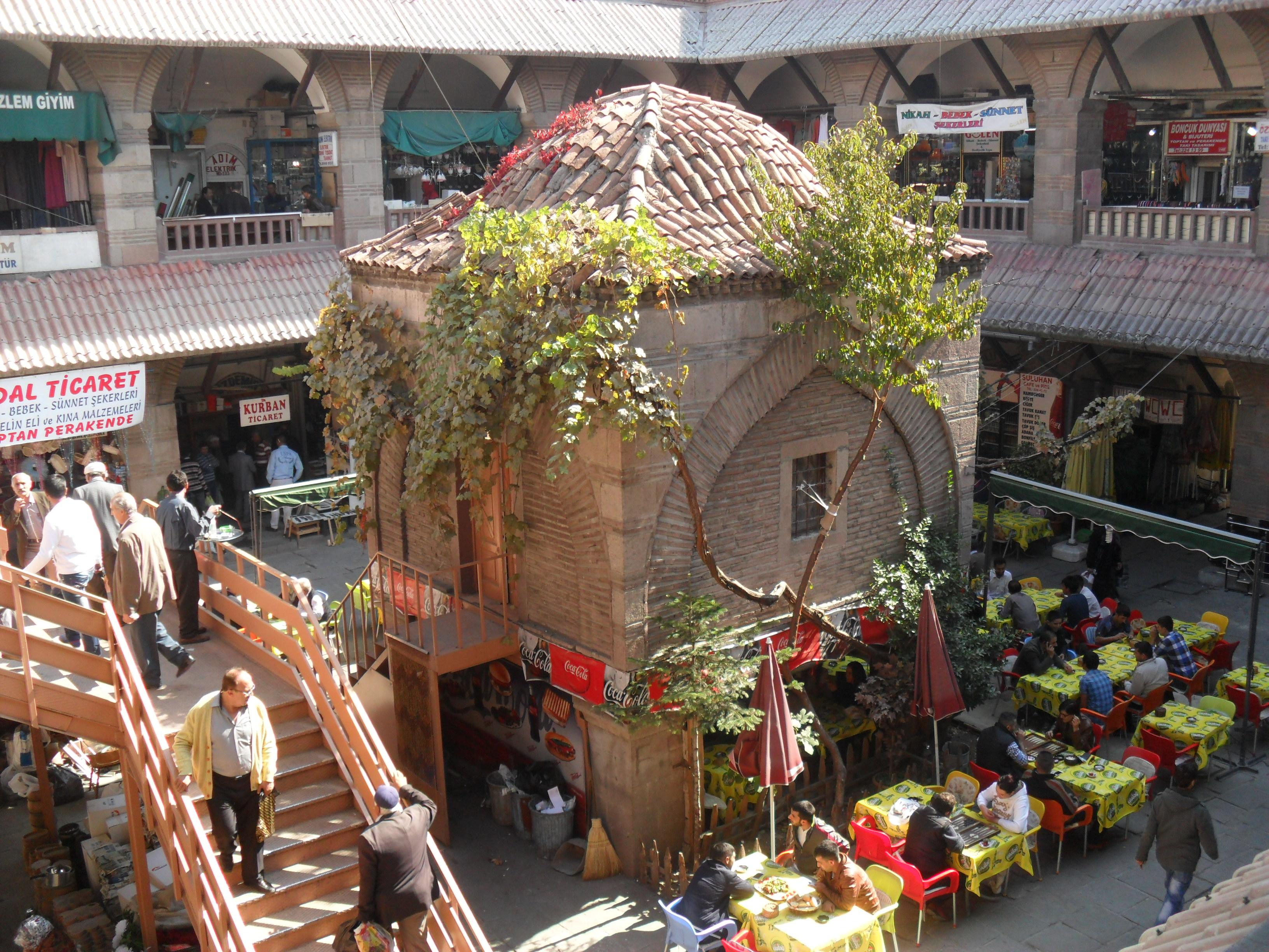 Suluhan سوق سولو خان في انقرة