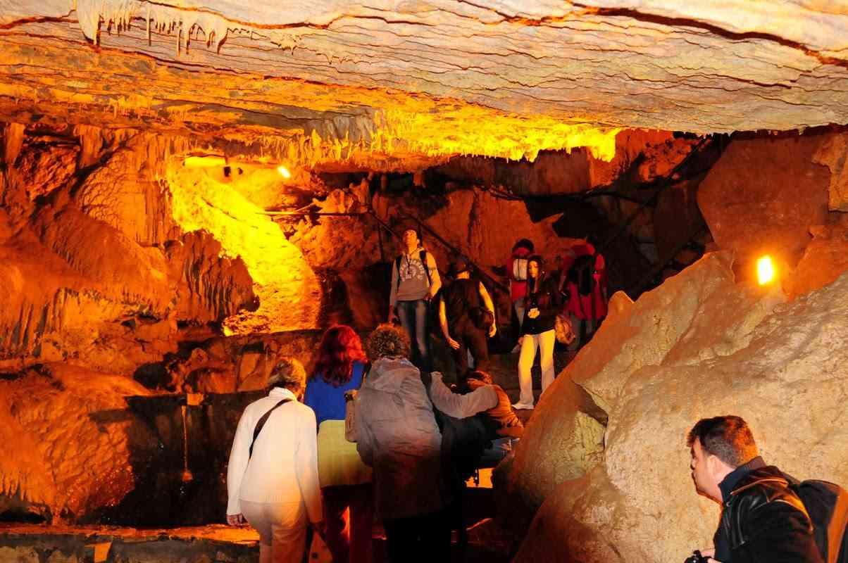 تضم مدينة بولو تركيا مجموعة من المغاور الرائعة التي تعتبر من اهم معالم السياحة في بولو ابانت
