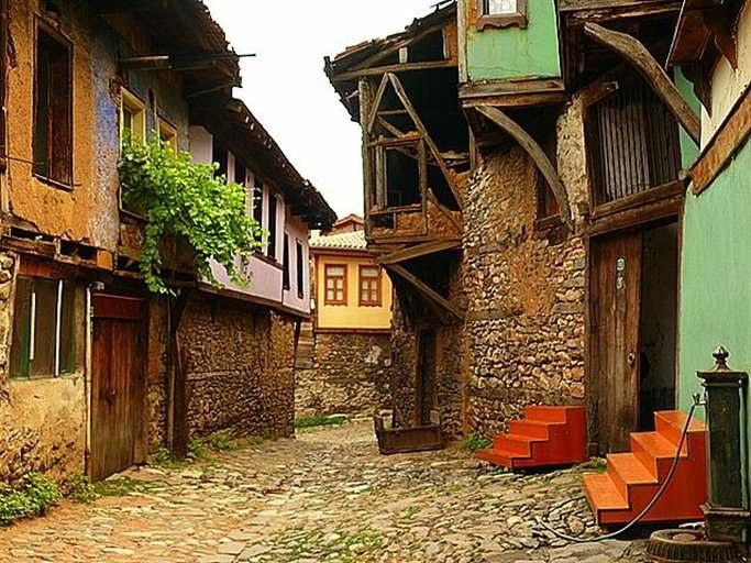 تعرف على قرية جومالي كيزيك القرية العثمانية في بورصة اشهر القرى التاريخية في بورصة تركيا