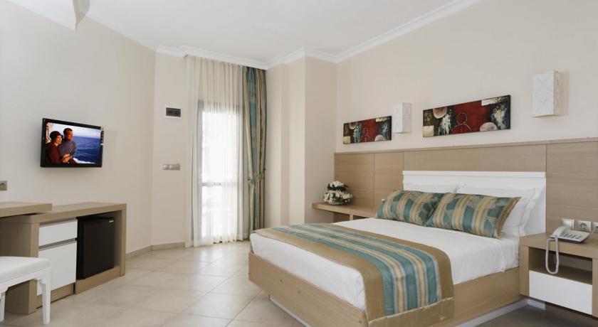 فندق اسمين يوفر غرف واسعة ومٌريحة