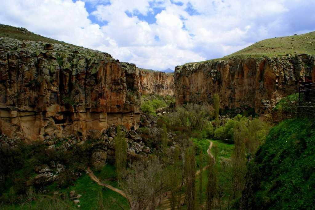 وادي اهلارا من اجمل اماكن السياحة في كابادوكيا تركيا