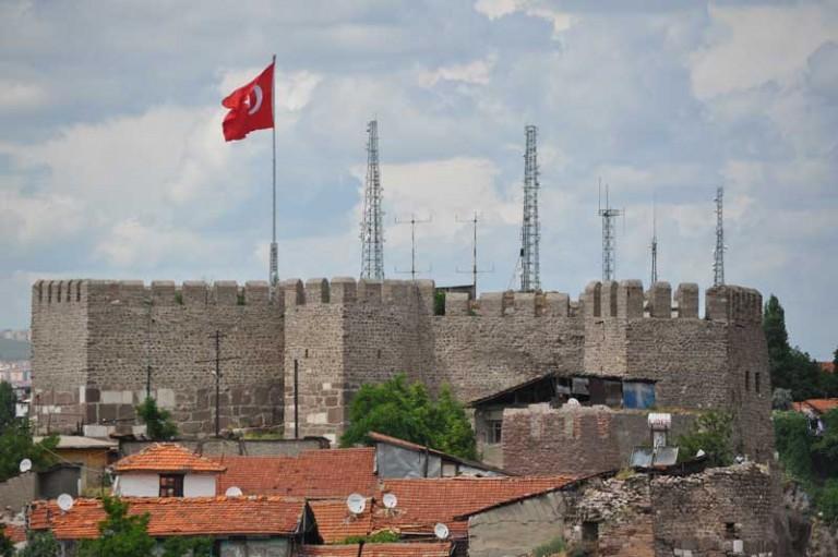 قلعة انقرة سياحة احدى الاماكن السياحية في انقرة تركيا