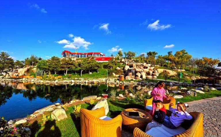حديقة 50 عام في مدينة انقرة من اهم معالم السياحة في انقرة