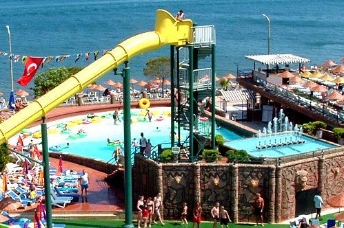 حديقة الالعاب المائية اكوا دريم مرمريس التركية من اهم معالم السياحة في مرمريس تركيا