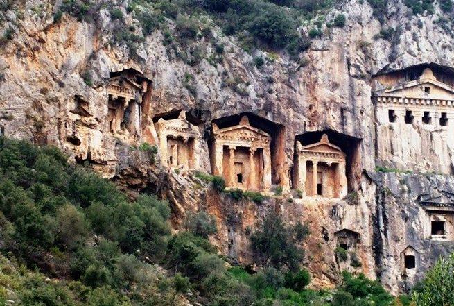 منطقة داليان من الاماكن السياحية في مرمريس تركيا التي يزورها الآلاف