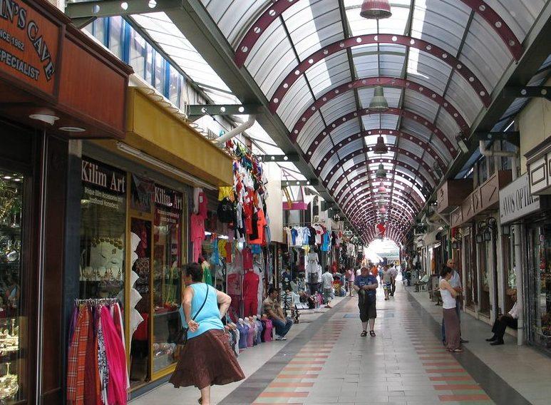 بازار مرمريس في مدينة مرمريس التركية هو احد الوجهات المحببة في السياحة في مرمريس تركيا