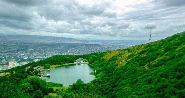 بحيرة السلاحف في تبليسي