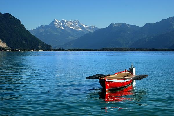 بحيرة جنيف في سويسرا