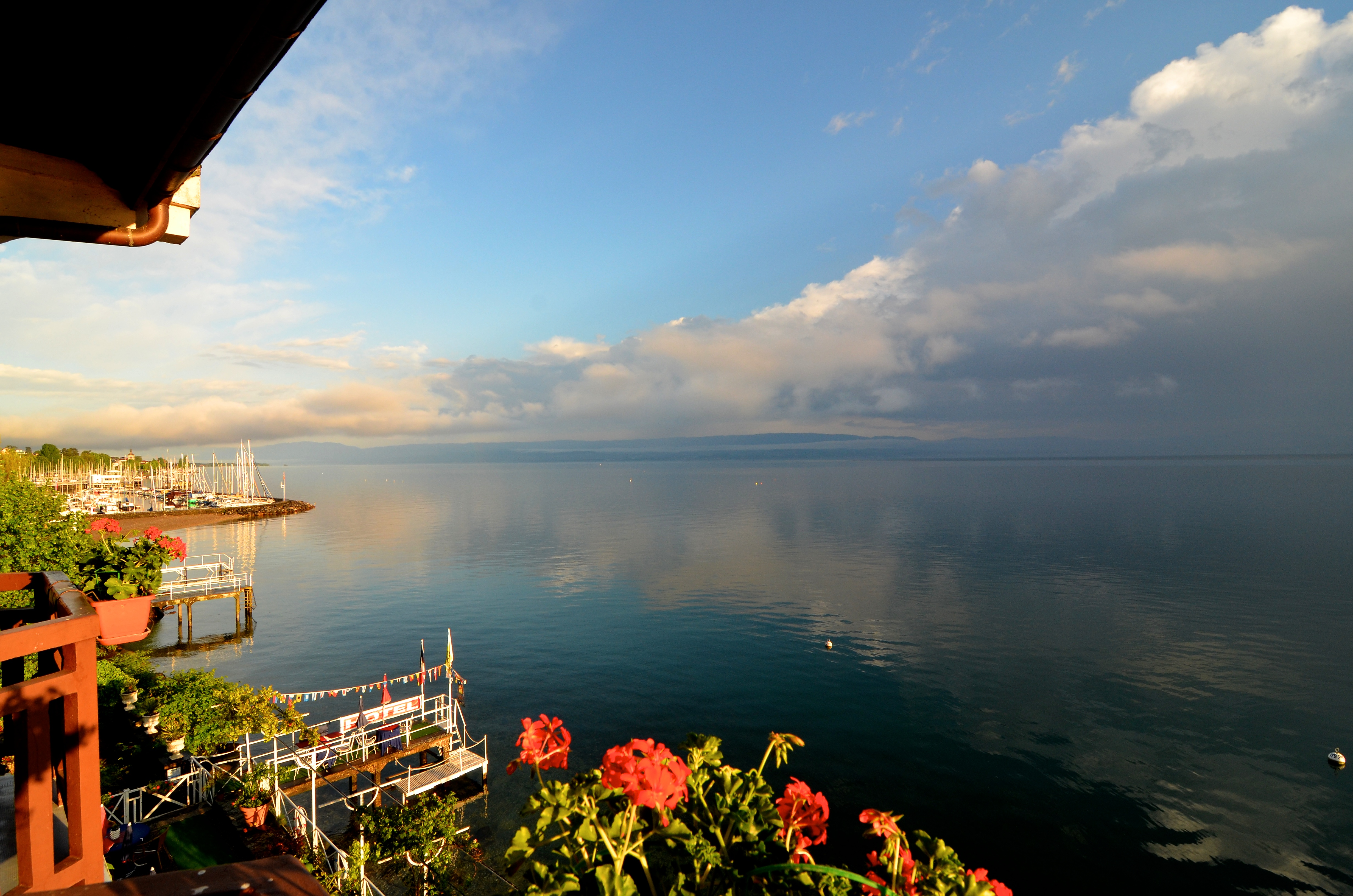 بحيرة جنيف من طرف ايفيان