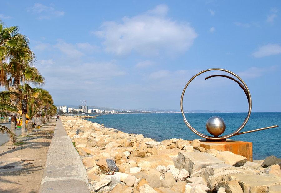 شاطئ ليماسول قبرص