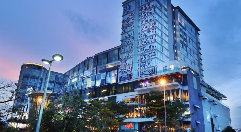 افضل فنادق ماليزيا سيلانجور - فندق إمباير سوبانج