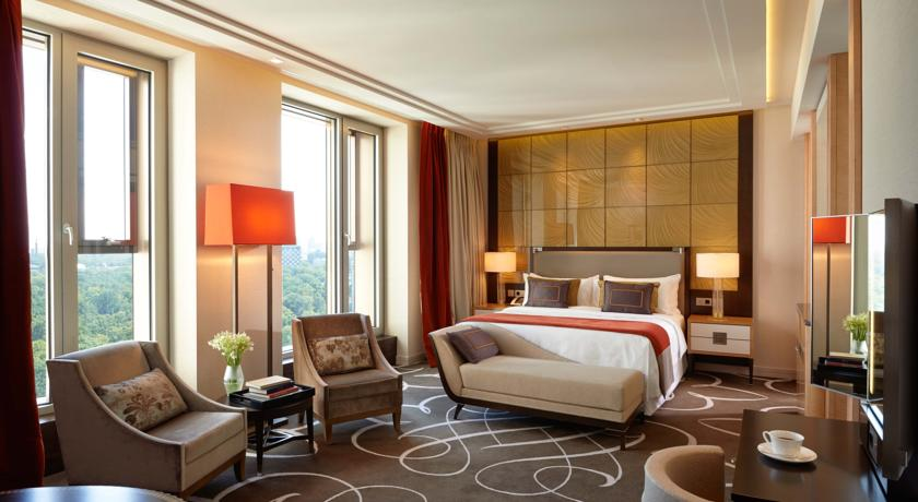 فندق والدورف أستوريا برلين