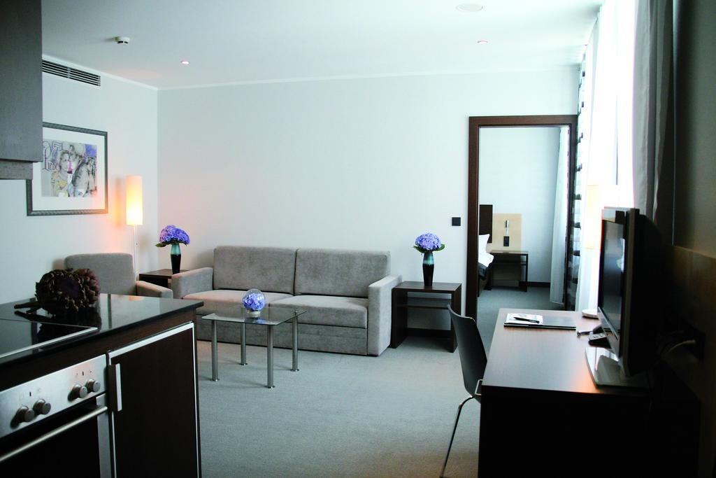 فندق وبوردينغهاوس شيلر 5