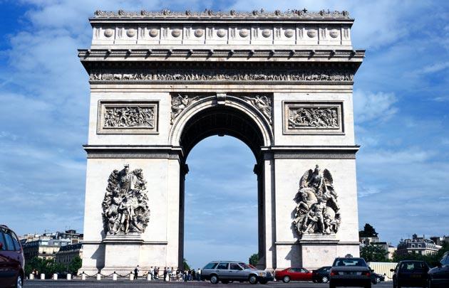 معالم باريس السياحية - قوس النصر في باريس
