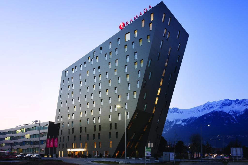 هندسة معمارية ضخمة لدى افضل فنادق انسبروك