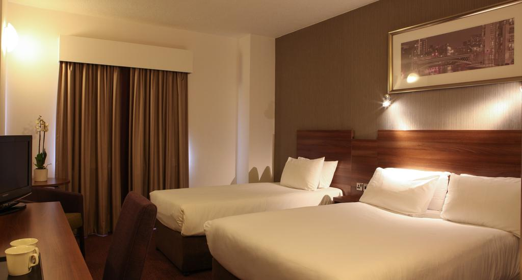 فنادق في ليدز