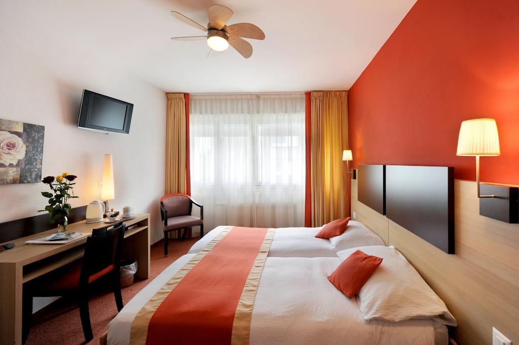فنادق في مونترو