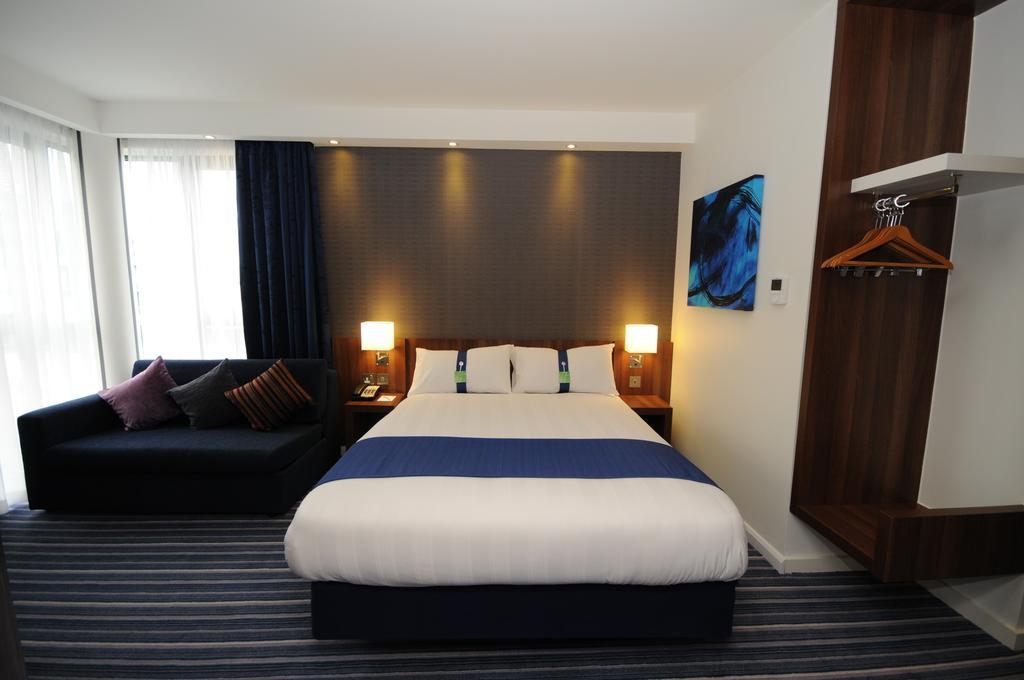 تتمتع غرف فنادق شيفيلد بمساحات واسعة للإقامة