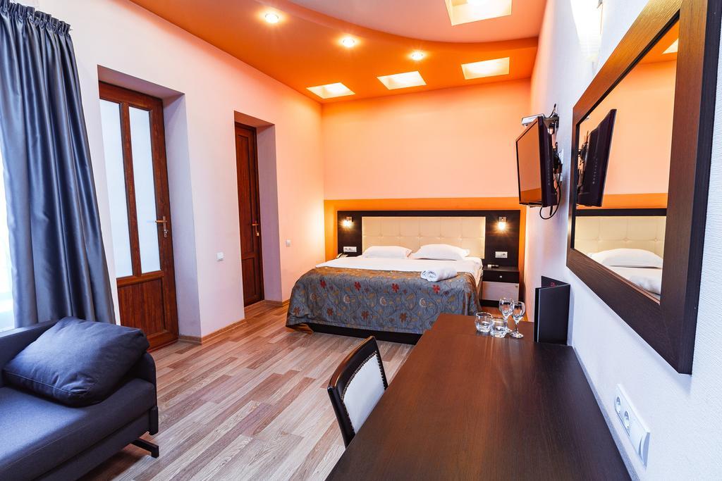 فنادق في تبليسي