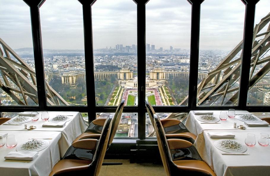 برج ايفل من اهم الاماكن السياحية في باريس - مطعم برج ايفل