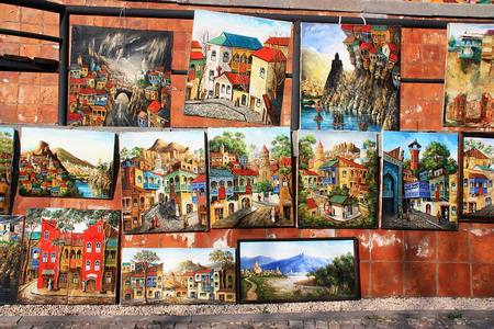 سوق البرغوث يعتبر الاشهر من بين اماكن التسوق في تبليسي