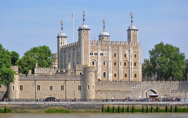 برج لندن - السياحة في لندن