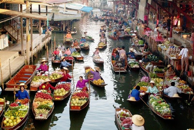 السوق العائم في بتايا