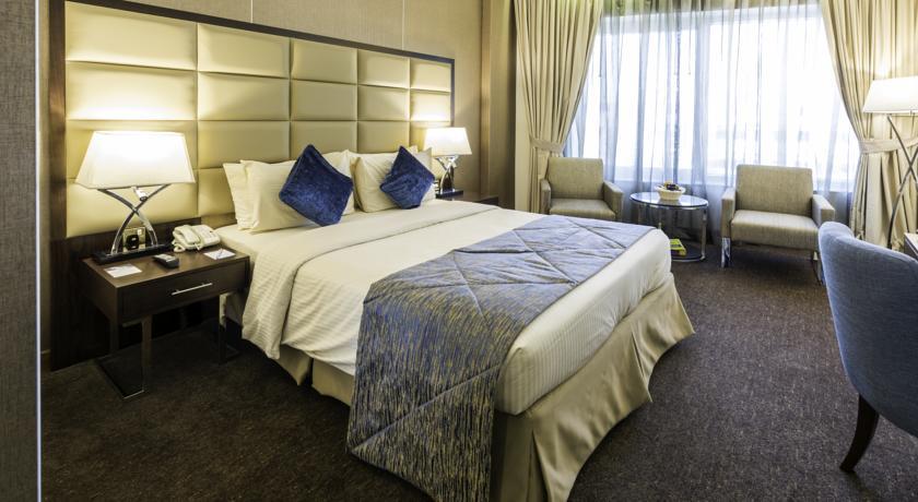 فندق هاورد جونسون بر دبي