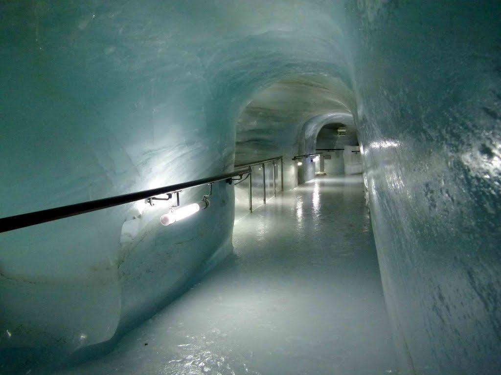 قصر الجليد